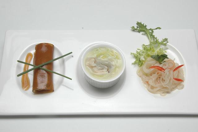 2008 - Wilde Gelei gevuld met mousse van gans en eend, oester met prei-creme saus en mihoensalade 鴨鵝肝卷忌廉生壕.JPG